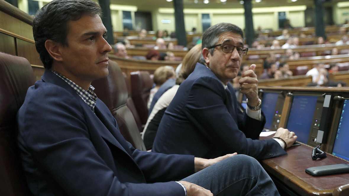 Pedro Sánchez reaparece en el Congreso para escuchar el discurso de Rajoy