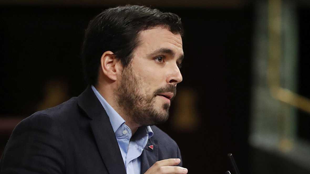 """El portavoz de Izquierda Unida, Alberto Garzón, ha asegurado durante la segunda jornada del debate de investidura que """"si Rajoy consigue ser presidente no es por su capacidad de persuasión, va a ser por una intervención en el PSOE por parte de Felipe"""