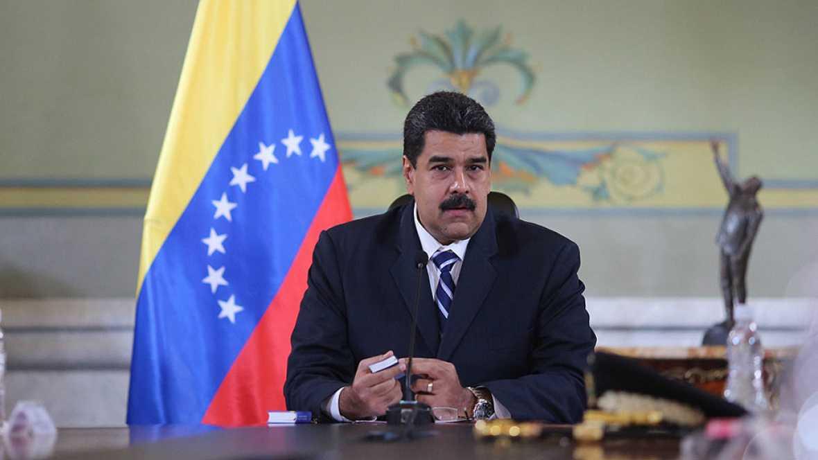 Maduro sube el salario mínimo un 40% la víspera de la huelga general convocada por la oposición