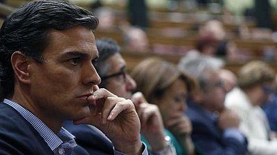 El PSOE pide una abstención en bloque a Rajoy ante el silencio de Pedro Sánchez