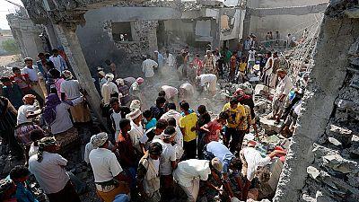 Al menos 60 muertos en Yemen en un bombardeo de la coalición árabe