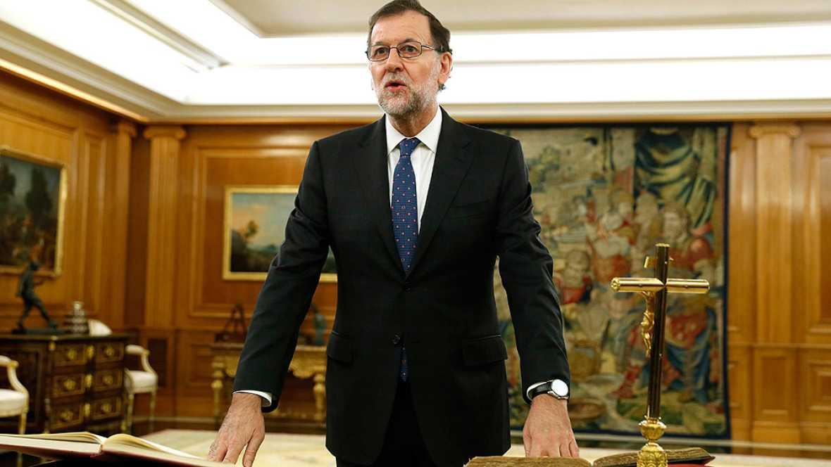 Rajoy jura ante el rey como nuevo presidente del Gobierno