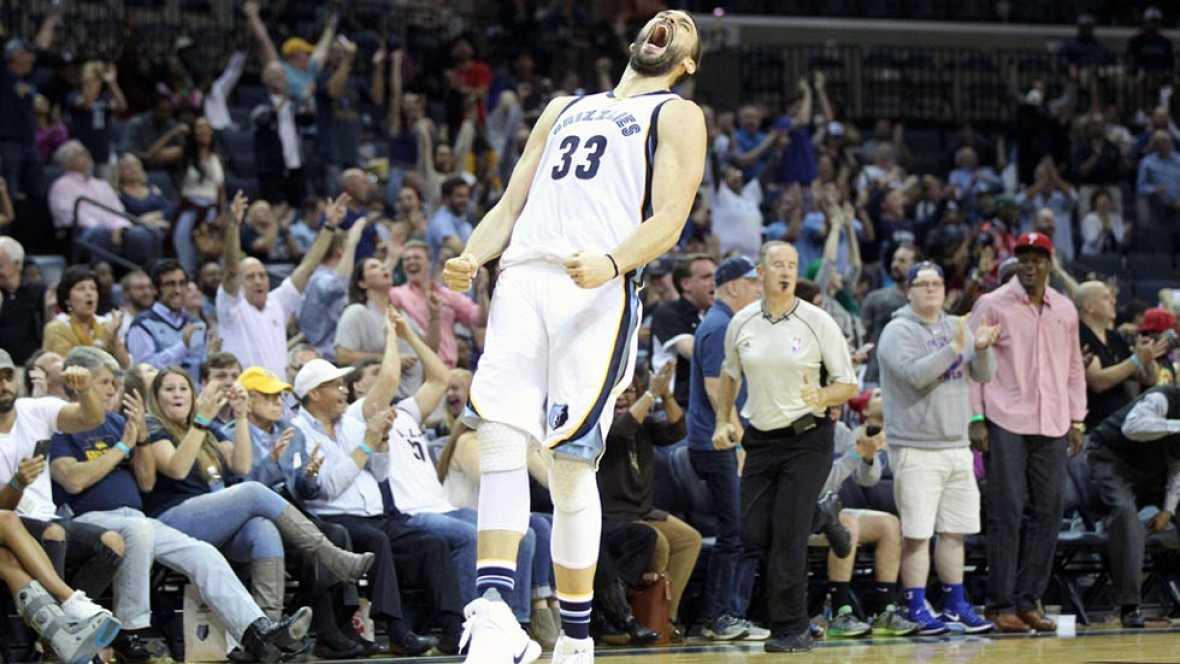 Tanto Pau como Marc Gasol resultaron decisivos para las victorias de Spurs y Grizzlies en la NBA. Ambos firmaron sendos dobles-dobles en lo que ha sido su mejor partido en lo que va de temporada.
