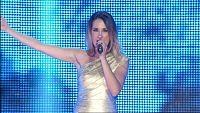 Mireia canta 'Hijo de la luna' en el concierto de OT