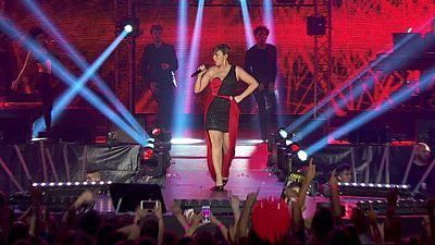 Chenoa canta 'Atrévete' en el concierto de OT