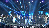 Todos los concursantes de OT1 cantan 'Mi música es tu voz' en el concierto de OT