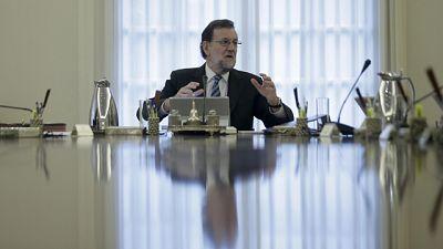 """Rajoy traslada a sus nuevos ministros la necesidad de """"hablar, dialogar, pactar y consensuar"""""""