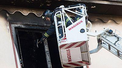 Una menor de 14 años muere en Zaragoza tras caer desde un quinto piso en llamas