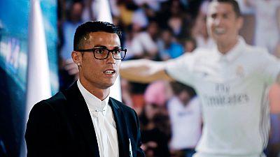 El jugador portugués ha oficializado su renovación con el Real Madrid hasta 2021 y ha afirmado que quiere jugar una década más en el club blanco ya que este no será su último contrato.