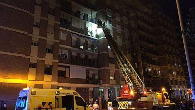 Dos ancianas fallecen en un incendio en una vivienda en Sevilla