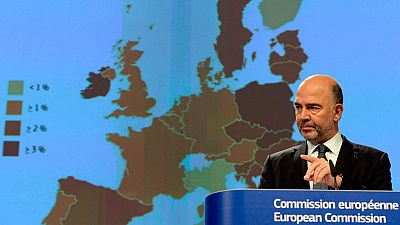 España cumplirá con el déficit este año, pero no lo hará en 2017, según la Comisión Europea