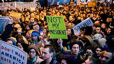 Miles de personas protestan en las calles de Estados Unidos tras el triunfo de Donald Trump