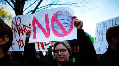 Vuelven las concentraciones contra Trump bajo el lema 'No es mi presidente'