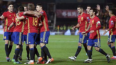 España logra una goleada trabajada frente a Macedonia