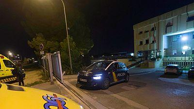 Una docena de internos se fugan del CIE de Murcia tras un motín en el que resultaron heridos tres policías