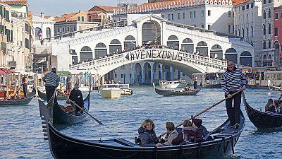 Los venecianos protestan contra el turismo masivo y los altos precios de la vivienda
