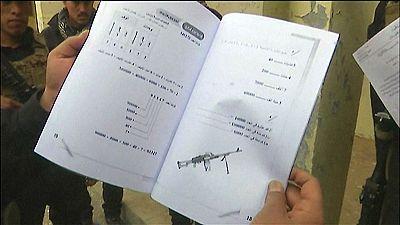 Hallan en Mosul una escuela donde se enseñaba a los niños el manejo de armamento