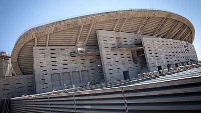 Los trabajos en la Peineta siguen adelante apenas dos días antes de la disputa del último derbi liguero entre Atlético y Real Madrid en el Vicente Calderón.