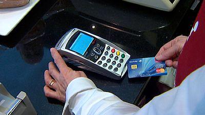 Cada español gastará de media este año unos 2.800 euros con tarjetas de crédito