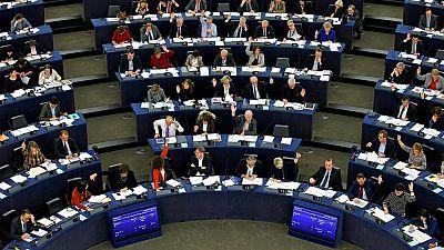 El Parlamento Europeo reclama suspender temporalmente las negociaciones para que Turquía entre en la UE