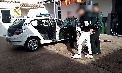 Detienen a un joven de 22 años propinar una brutal paliza a su pareja en Alicante