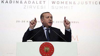 Erdogan amenaza a la Unión Europea con abrir las fronteras de Turquía y dejar pasar a miles de refugiados