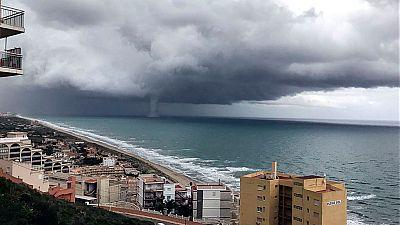 Alerta por fuertes lluvias, tornados y trombas marinas