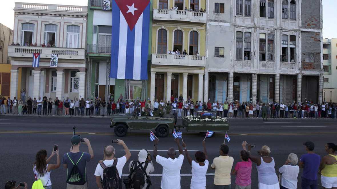 Las cenizas de Fidel Castro parten de La Habana camino de Santiago de Cuba