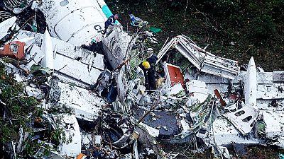 Accidente aéreo en Colombia - El piloto del avión estrellado en Colombia pidió aterrizar de emergencia por la falta de combustible