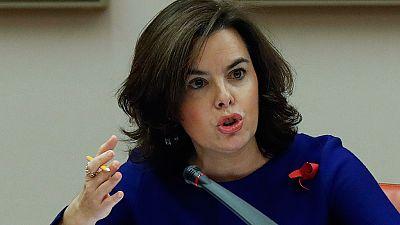 Sáenz de Santamaría ofrece más diálogo a las CCAA y rebajar los litigios