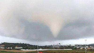 Espectacular tornado en Palos de la Frontera, Huelva