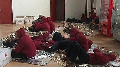 Rescatan a 22 inmigrantes ocultos en el doble fondo de un camión en Melilla