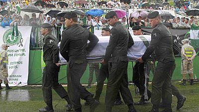 Sentida despedida de los seguidores del Chapecoense en el Arena Condá