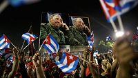 Miles de personas despiden a Fidel Castro en Santiago