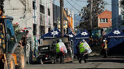 Ascienden a 30 los muertos en el incendio de Oakland, California