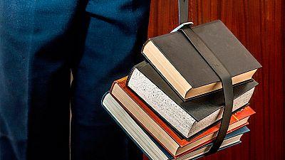 Los libros, a las fábricas, una iniciativa para fomentar la lectura en los centros de trabajo