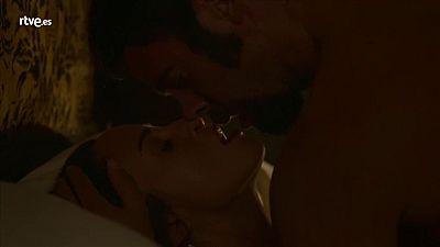 Víctor y Juana hacen el amor