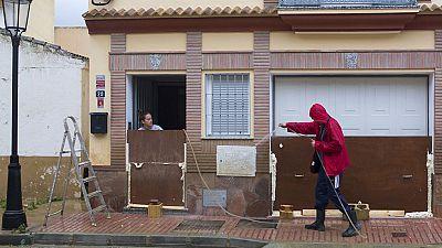 Málaga intenta recuperarse de las peores lluvias en 27 años