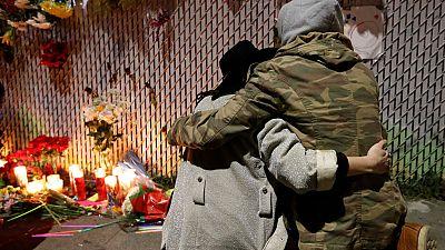 El número de muertos en el incendio de Oakland asciende a 36 y continúa la búsqueda de víctimas
