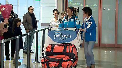 Llegan a Madrid las cinco mujeres que han atravesado en barco el Atlántico tras superar un cáncer