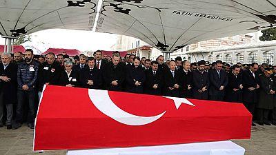Turquía entierra a los muertos del atentado en Ankara y detiene a 200 militantes kurdos
