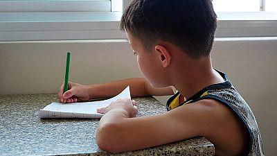 El Congreso pide consensuar la cantidad y el tiempo de los deberes. ¿Qué se hace en otros países?
