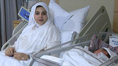 Una mujer de 24 años se ha convertido en la primera mujer del mundo en ser madre gracias a la congelación de su tejido ovárico antes de la pubertad