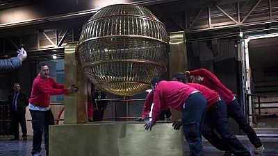 Los bombos de la Lotería Nacional llegan al Teatro Real