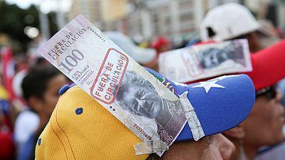 Miles de venezolanos apoyan las medidas económicas de Maduro