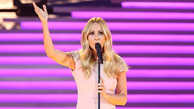 Marta Sánchez canta 'Eres tú' en la gala del 60 aniversario de TVE