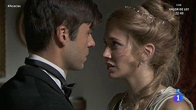 Acacias 38 - Simón y Elvira, a punto de besarse