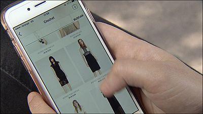 Los hombres gastan más en moda por internet que las mujeres, según un estudio