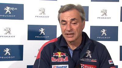 """El piloto español Carlos Sainz señaló este jueves que se encuentra  """"impaciente y con ganas de que comience el Dakar"""" en el que intentará  conseguir su segundo título a los mandos del Peugeot 3008 DKR y para  el que han trabajado """"en la fiabilidad""""."""