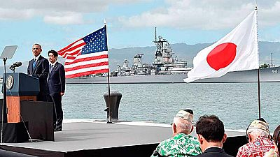 Shinzo Abe y Obama visitan Pearl Harbor